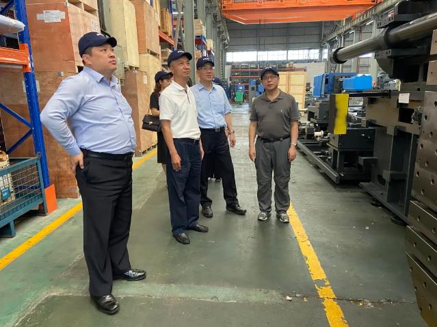 朱文玮理事长带队调研考察宁波重点塑料企业并走访宁波协会